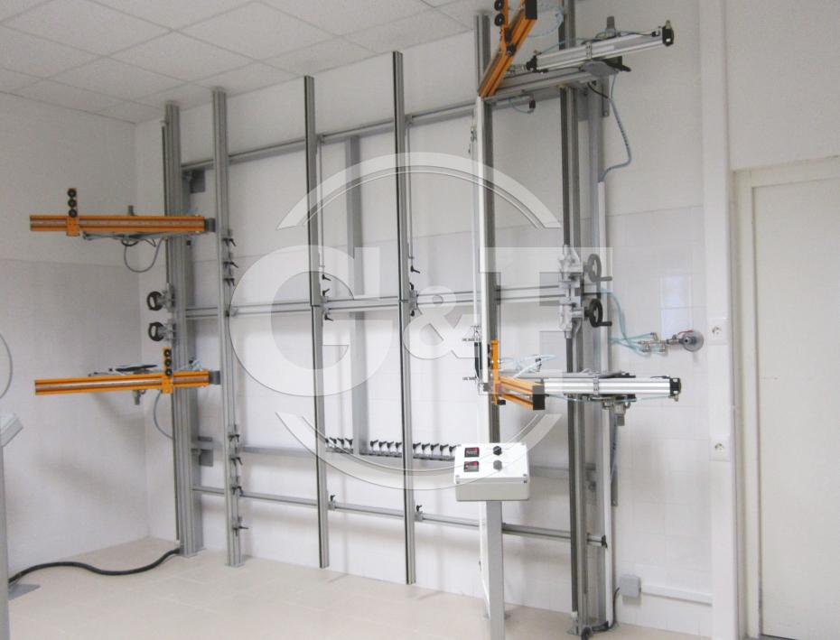 Equipamento para teste de resistência de portas e dobradiças